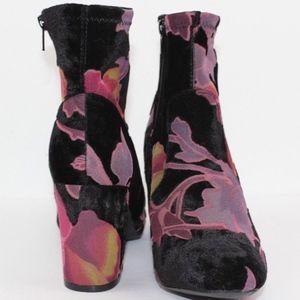 Steve Madden Shoes - New Steve Madden Elissa Velvet Floral Bootie